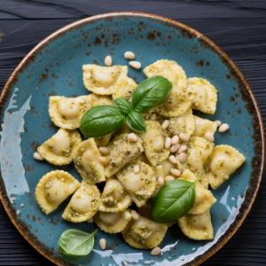 Oven Ravioli with pesto, cream cheese and pine nuts